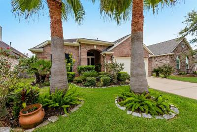 Kemah Single Family Home For Sale: 309 Marina Oaks Court