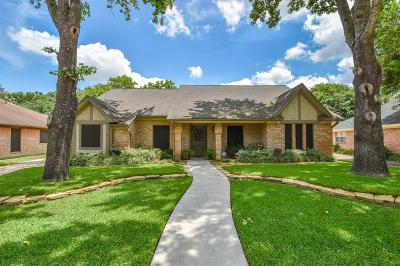 Single Family Home For Sale: 15414 Glenwood Park Drive