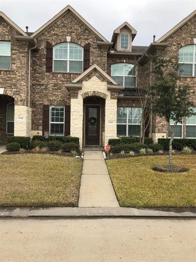 Houston Condo/Townhouse For Sale: 9242 Solvista Pass Lane