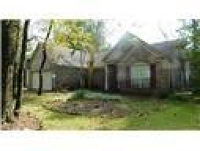 The Woodlands Single Family Home For Sale: 107 S Village Knoll Cir