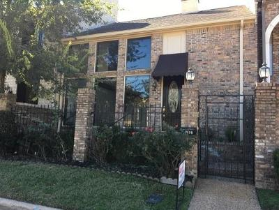 Houston Condo/Townhouse For Sale: 1936 Stoney Brook Drive