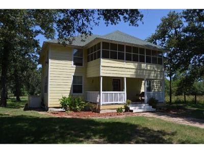 Columbus TX Single Family Home For Sale: $239,000