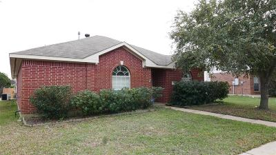 Single Family Home For Sale: 15407 Kingfield Drive