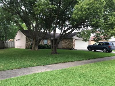 League City Single Family Home For Sale: 2610 Merrimac Drive