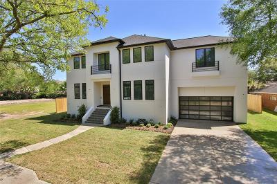 Houston Single Family Home For Sale: 4935 Braesheather Drive