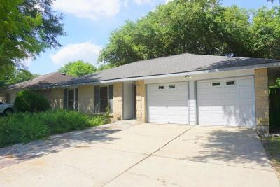League City TX Single Family Home For Sale: $180,000