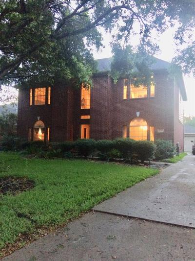 Friendswood Single Family Home For Sale: 4518 Backenberry Drive