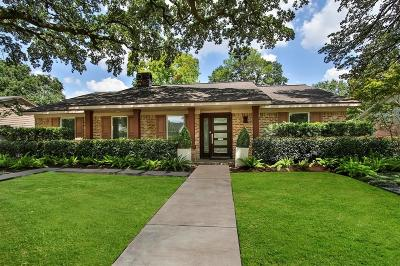 Houston Single Family Home For Sale: 10034 Chevy Chase Drive