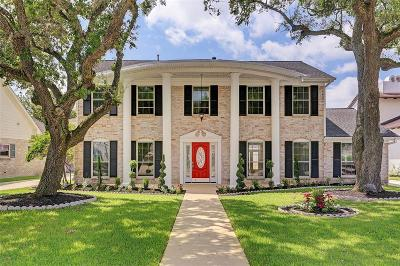 Sugar Land Single Family Home For Sale: 618 Chevy Chase Circle