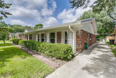 Houston Single Family Home For Sale: 9214 Riddlewood Lane