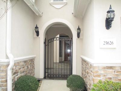 Single Family Home For Sale: 25626 Muirfield Bend Court