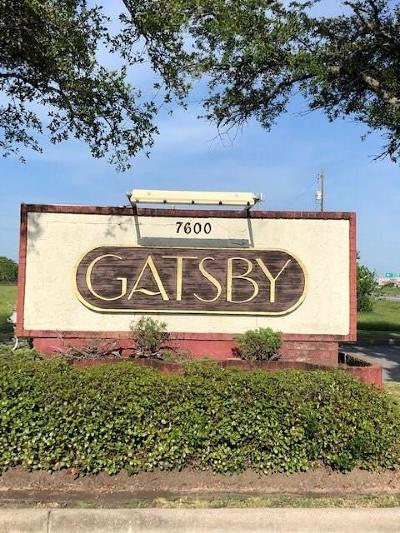 Texas City Condo/Townhouse For Sale: 7600 Emmett F Lowry Expressway #207