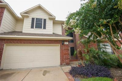 Friendswood Condo/Townhouse For Sale: 1408 S Friendswood Drive #802