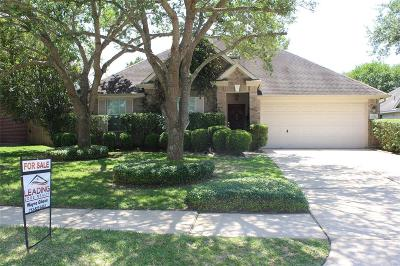 League City Single Family Home For Sale: 2130 Winding Springs Drive