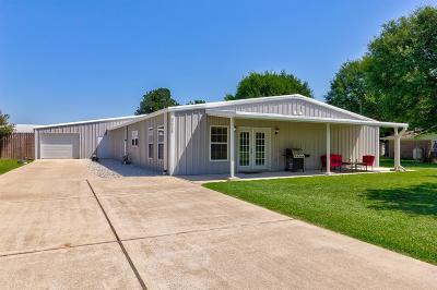 Waller Single Family Home Option Pending: 32218 Robin Lane