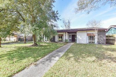League City Single Family Home For Sale: 2219 Bayou Drive