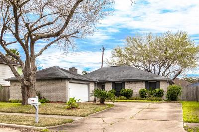 Pearland Single Family Home For Sale: 3111 Pilgrims Point Lane