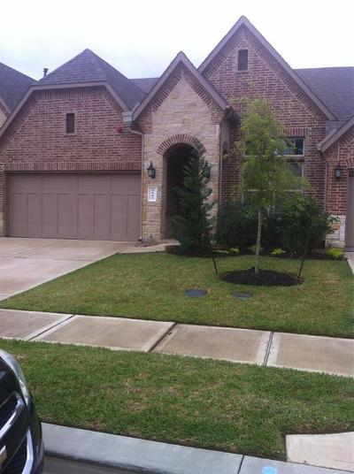 Conroe Condo/Townhouse For Sale: 9045 Meacom Drive