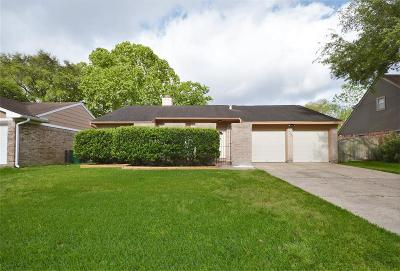 Single Family Home For Sale: 15222 Woodhorn Drive