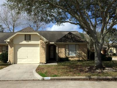 Pearland Condo/Townhouse For Sale: 630 E Country Grove Circle