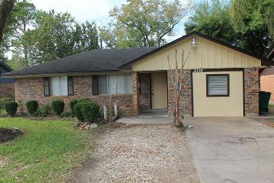 Pearland Single Family Home For Sale: 2316 N Austin Avenue