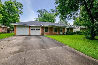 Sugar Land Single Family Home For Sale: 607 Alcorn Street