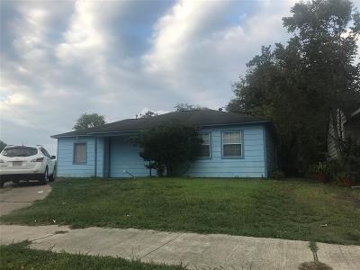 Pasadena Single Family Home For Sale: 1710 Palmwood Drive