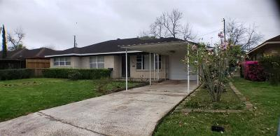 Single Family Home For Sale: 269 W Spreading Oak Dr