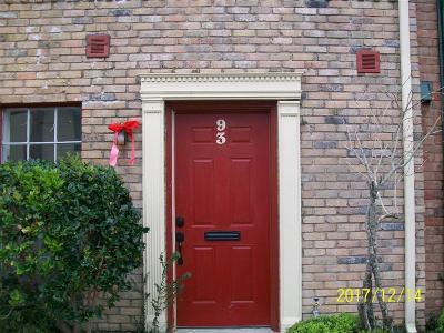 Houston Condo/Townhouse For Sale: 7700 Creekbend Drive #93