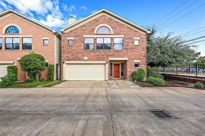 Houston Condo/Townhouse For Sale: 650 Westcross Street #1