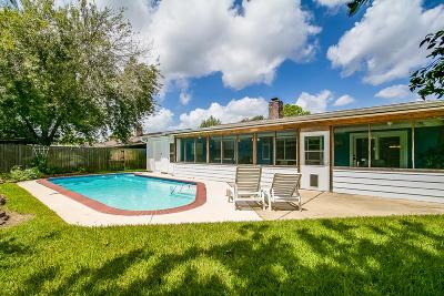 Friendswood Single Family Home For Sale: 4219 Saffron