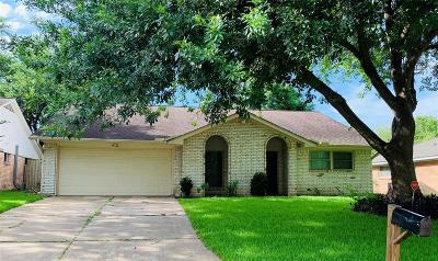 League City Single Family Home For Sale: 2104 Yorktown Court S
