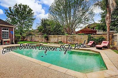 Sugar Land Single Family Home For Sale: 7906 Woodcrest Court