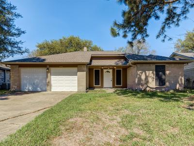 Friendswood Single Family Home For Sale: 4226 Townes Forest Road