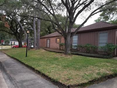 Houston Single Family Home For Sale: 10002 W Inwood Corner W