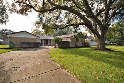 Nassau Bay Single Family Home For Sale: 1426 Saxony Lane