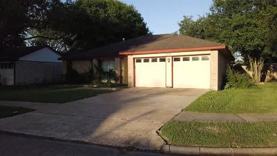 Houston Single Family Home For Sale: 6106 S Reeds Ferry Drive S
