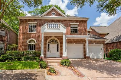 Sugar Land Single Family Home For Sale: 22 Ambleside Crescent Drive