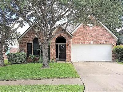 Pearland Single Family Home For Sale: 3309 English Oaks