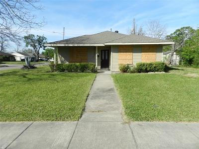 Houston TX Single Family Home For Sale: $200,000