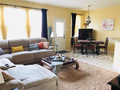 Pasadena Condo/Townhouse For Sale: 6303 Dawson Creek Drive