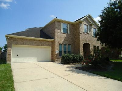 Pearland Single Family Home For Sale: 2425 Harbor Chase Drive
