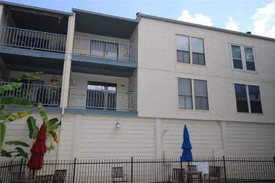 Condo/Townhouse For Sale: 4001 Nasa Parkway #136