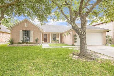 La Porte Single Family Home For Sale: 5221 Glenpark Drive