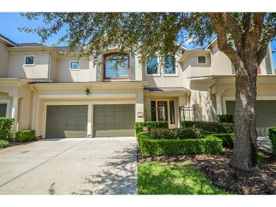 Sugar Land Condo/Townhouse For Sale: 19 Sweetwater Court