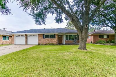 Houston Single Family Home For Sale: 1707 Willowby Drive