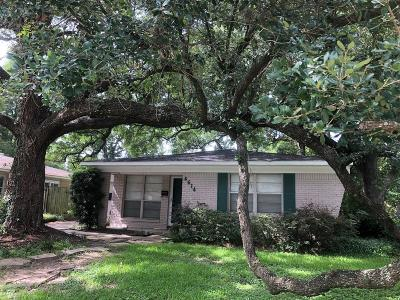 Oak Forest Single Family Home For Sale: 4614 Carleen Road