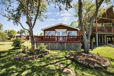 Clear Lake Shores Single Family Home For Sale: 315 W Shore Drive