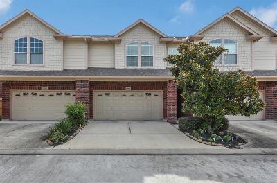 Houston Condo/Townhouse For Sale: 8909 Minola Oaks Drive