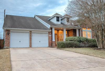 Spring Single Family Home For Sale: 9010 Robinhoods Well Drive